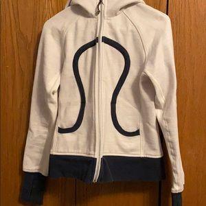 Lululemon Women's sweatshirt size 6
